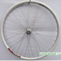 """Заднее колесо 26"""" с алюминиевым двойным ободом, с осью диаметром 9,5 мм, крепится гайками."""