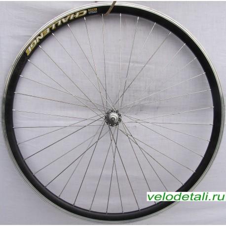"""Переднее колесо 28"""" с двойным алюминиевым ободом, с осью диаметром 8 мм, крепится гайками."""